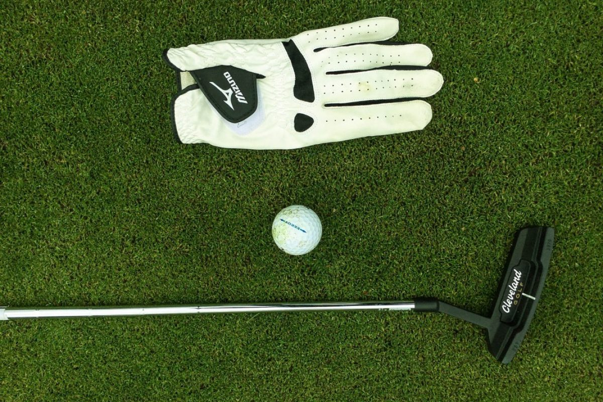 Golf 1 Angur - Golfball and Glove